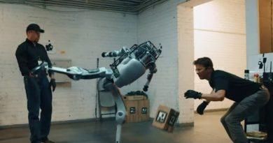 Неужели робот Boston Dynamics впервые дал отпор человеку?