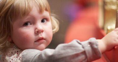 Каждый четвертый ребенок в России живет за чертой бедности